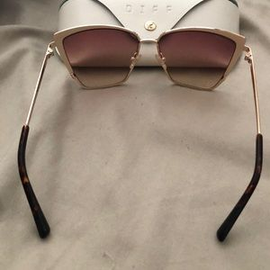 Diff Eyewear Accessories - Cat Eye DIFF gold and hash brown Sunglasses